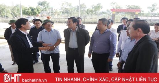 Nguyên Chủ tịch nước Trương Tấn Sang khảo sát xây nhà tránh lũ tại Hà Tĩnh