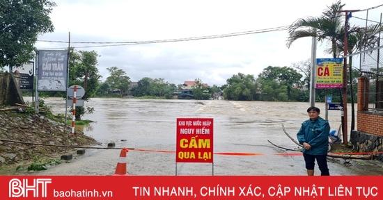 Nhiều địa bàn ở Hương Sơn ngập cục bộ, giao thông bị chia cắt