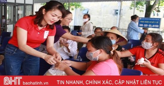 Nhiều hoạt động thiện nguyện đến với bệnh nhân ở Can Lộc, Lộc Hà