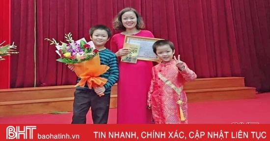 Niềm đam mê Truyện Kiều của gia đình cô giáo dạy Hóa - Sinh ở Hà Tĩnh