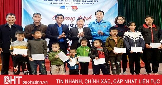 Noel san sẻ yêu thương ở huyện miền núi Hà Tĩnh