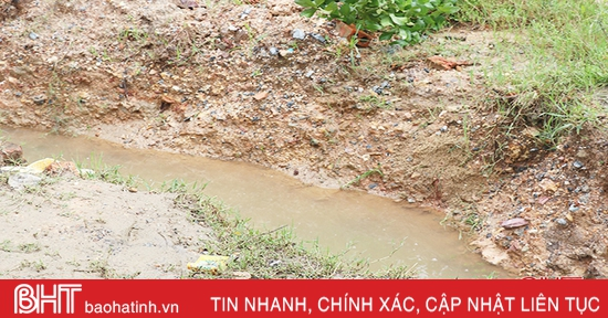 Phát hiện người đàn ông tử vong dưới mương nước ở Thạch Long