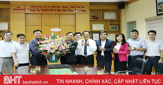 Phó Bí thư Thường trực Tỉnh ủy chúc mừng ngày Doanh nhân Việt Nam