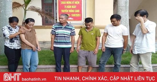 Phục kích 16 điểm đánh lô đề, Công an huyện Can Lộc bắt giữ 17 đối tượng