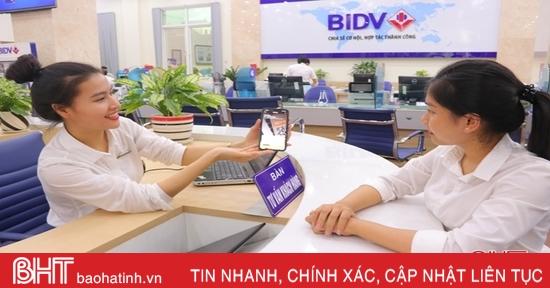 """Rút tiền ATM không cần thẻ, ngân hàng Hà Tĩnh vào """"cuộc đua"""" mới"""