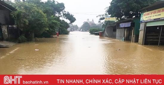 Sáng nay, hơn 300 trường ở Hà Tĩnh cho học sinh nghỉ học do mưa lũ