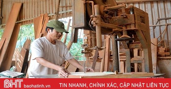 """Tai nạn lao động """"rình rập"""" ở làng mộc nổi tiếng Hà Tĩnh"""