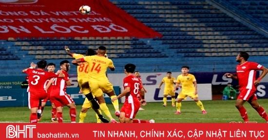Thi đấu đầy nỗ lực, Hồng Lĩnh Hà Tĩnh vẫn thua Viettel với tỷ số 1-0