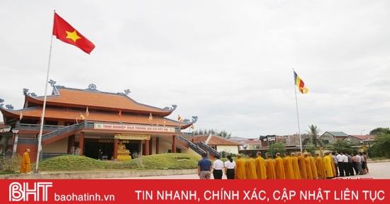 Thượng cờ Tổ quốc tại một số cơ sở tôn giáo ở Hà Tĩnh