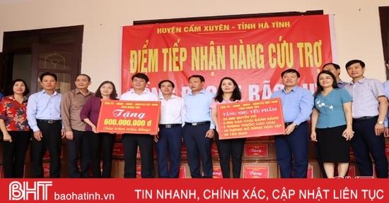 Tỉnh Hưng Yên hỗ trợ Nhân dân vùng lũ Hà Tĩnh gần 3 tỷ đồng