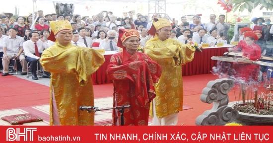 Trang nghiêm Lễ giỗ lần thứ 200 ngày mất Đại thi hào Nguyễn Du
