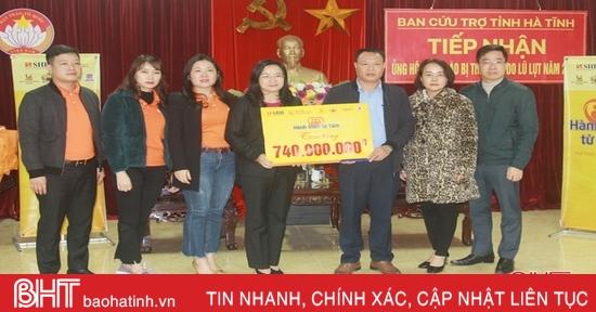 Trao gần 1 tỷ đồng hỗ trợ người dân Hà Tĩnh phục hồi sau lũ