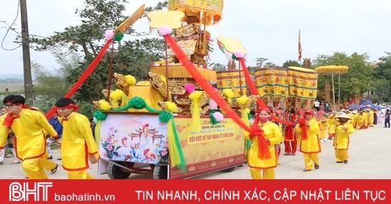 Tưng bừng khai hội Đền Cả - Dinh đô Quan Hoàng Mười ở Hà Tĩnh