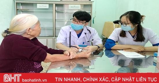 Tuổi trẻ Hà Tĩnh tổ chức khám, cấp thuốc miễn phí cho người dân Kỳ Anh, TP Hà Tĩnh