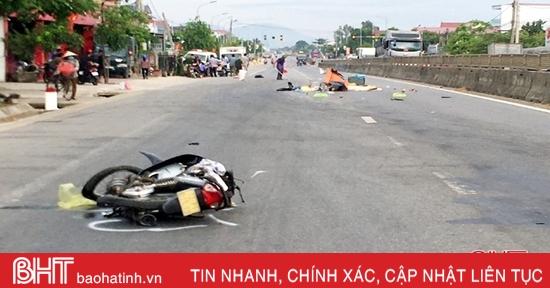 Xe máy va chạm container trên QL 1A ở Hà Tĩnh, một phụ nữ tử vong