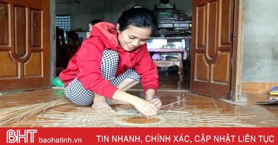 Xuất khẩu mây tre đan, giải quyết việc làm cho nhiều người dân miền núi Hà Tĩnh